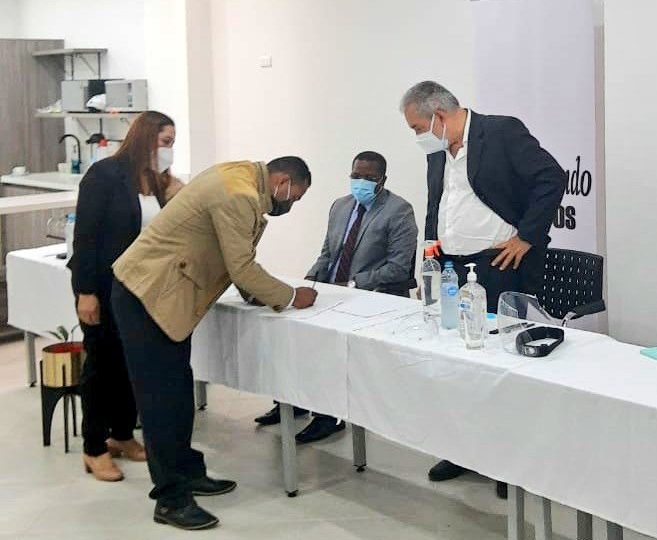 Histórico acuerdo entre víctimas y empresarios del puerto de Pisisí