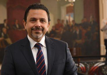 """Personalidades del mundo aseguran que dialogar con Miguel Ceballos es dialogar con un """"bandido"""""""