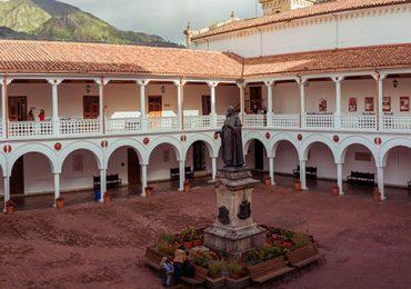 Universidad del Rosario retiró a profesor que censuró a estudiante