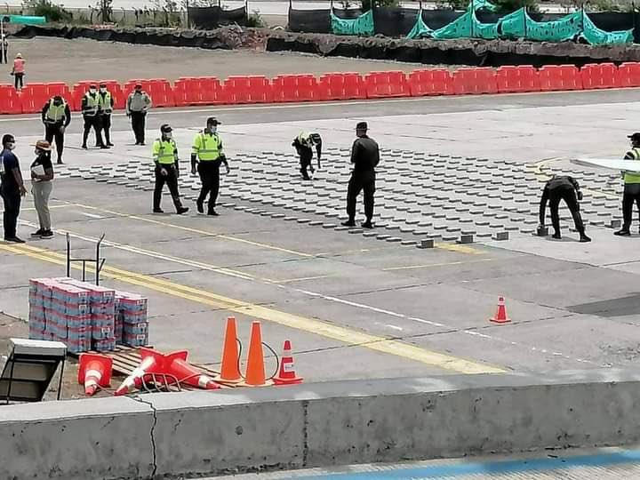 Incautan avioneta del esposo de Alejandra Azcárate con 446 kilos de cocaína