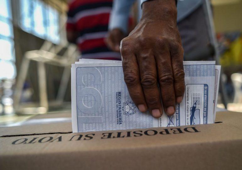 """Por """"peligro de quiebre institucional del Estado de Derecho"""" piden Misión de Observación Electoral en Colombia"""