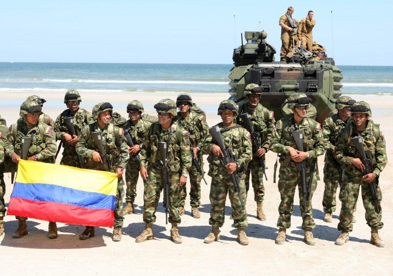 Reino Unido apoyó operaciones de espionaje y venta de armas en Colombia