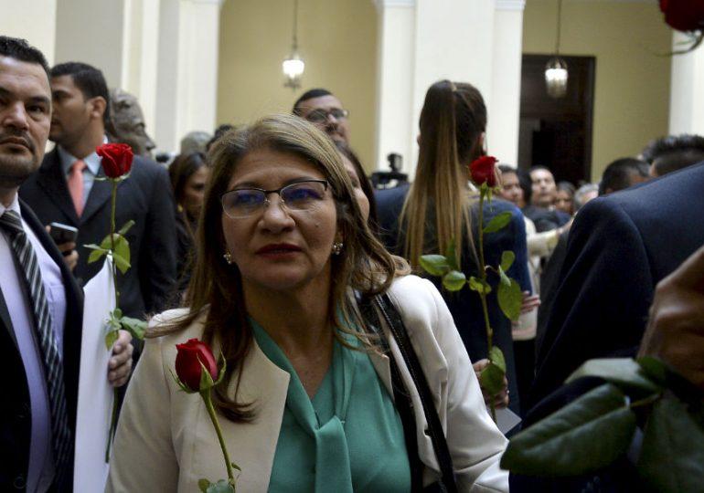 Senadora Sandra Ramírez se disculpó por declaraciones sobre secuestrados