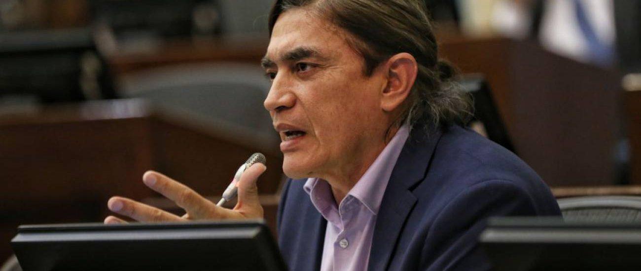 Donaciones de Gustavo Bolívar a la «Primera Línea» no trasgreden funciones de congresistas: Consejo de Estado
