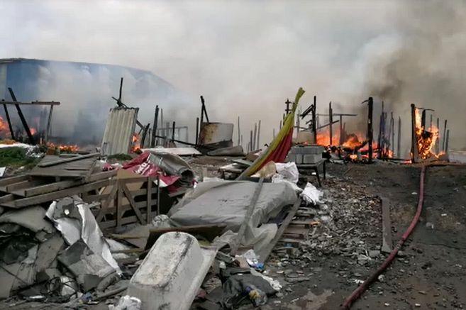 Intervención del ESMAD dejó docenas de casas y animales incinerados según denuncia de comunidad