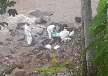 Bomberos y rescatistas denuncian que policías impiden rescate de cuerpos del Río Cauca
